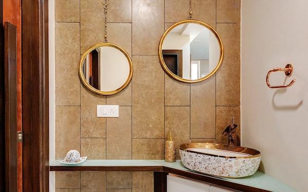 far-mobili-arredamenti-borgosesia.vercelli-arredamento-di-tendenza-metalli-colore-oro-complementi