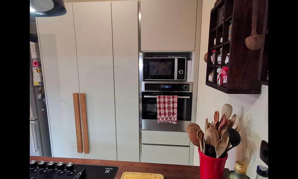 cucina con tavolo_18