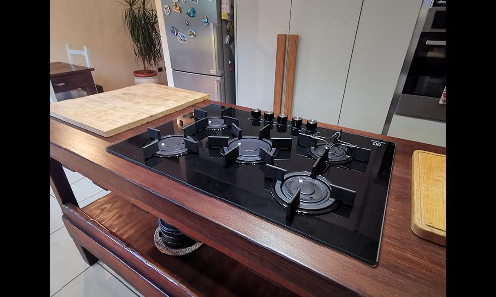 cucina con tavolo_19
