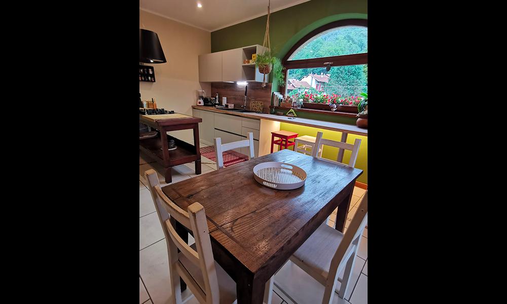 cucina con tavolo_9